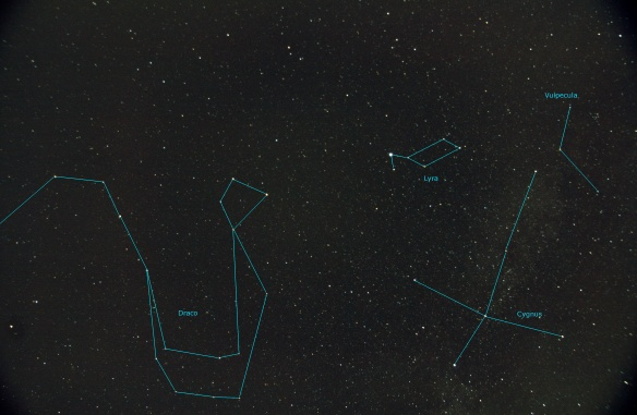Constellations Draco, Lyra, Cygnus and Vulpecula 13 x 30sec (17mm F4.0 ISO400) 12-aug-2015 Benoit Guertin